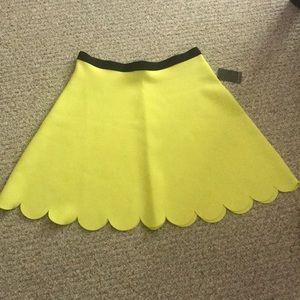💛 Neon Yellow Scallop Hem Skirt!